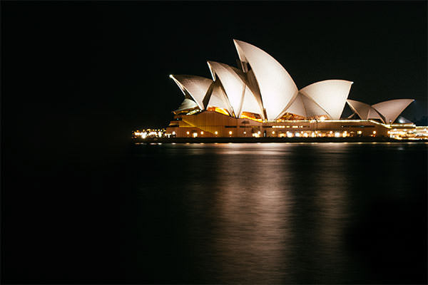 Photo of the Sydney Opera House at night